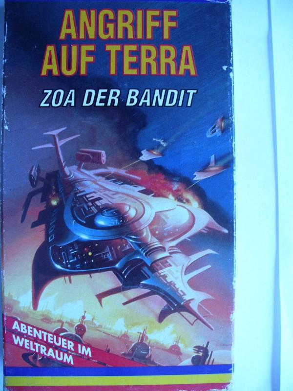 Abenteuer im Weltraum ... Angriff auf Terra ... Pappschuber!