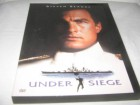 UNDER SIEGE -( ALARMSTUFE ROT ) DVD RC1- UNCUT STEVEN SEAGAL