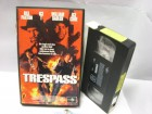 A 1235 ) Trespass mit Bill Paxton , Ice T , Ice Cube