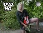 Deutsche Frau pisst im Freien in DVD HQ Qualität