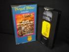 Wo bitte gibt´s Bier an der Front? VHS Royal Glasbox