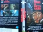 Der Mann im Hintergrund ... Tom Berenger ...  VHS !!!