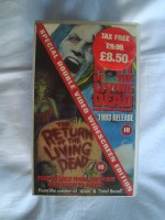 2x VHS The Return Of The Living Dead, 88+87 min, 1993  eng,