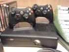 Xbox 360 S, 4GB, + 2 orig. Controller + 20 Games + 13 Filme