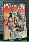 ZOMBIE - DAWN OF THE DEAD - Gr. Hatbox Cover C von XT-Video