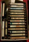 Ein Karton mit Video2000 Kassetten