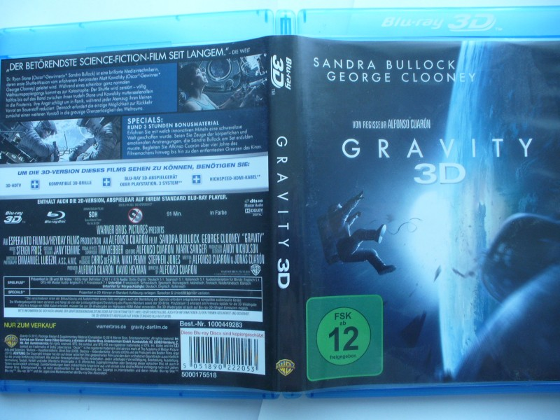 Gravity 3 D ... Sandra Bullock ... Blu  -  ray 3 D  !!!