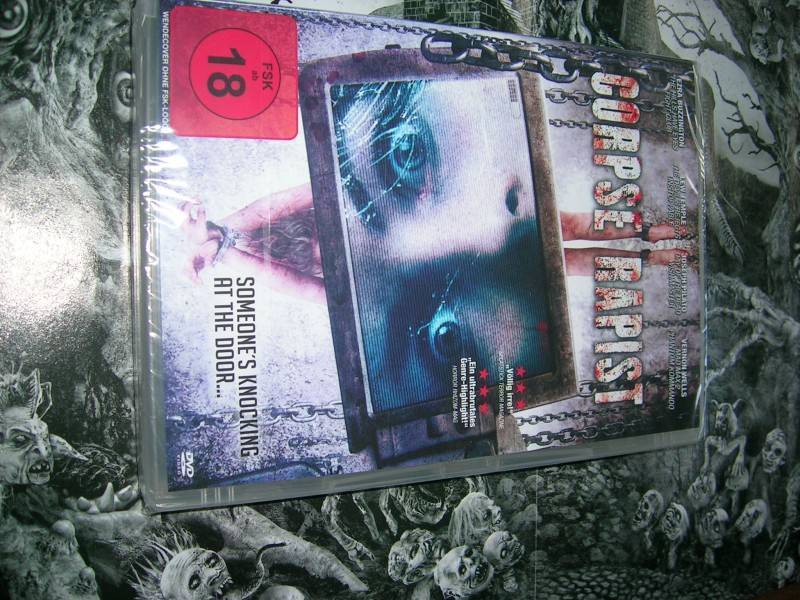 SOMEONE´S KNOCKING AT THE DOOR DVD EDITION NEU OVP