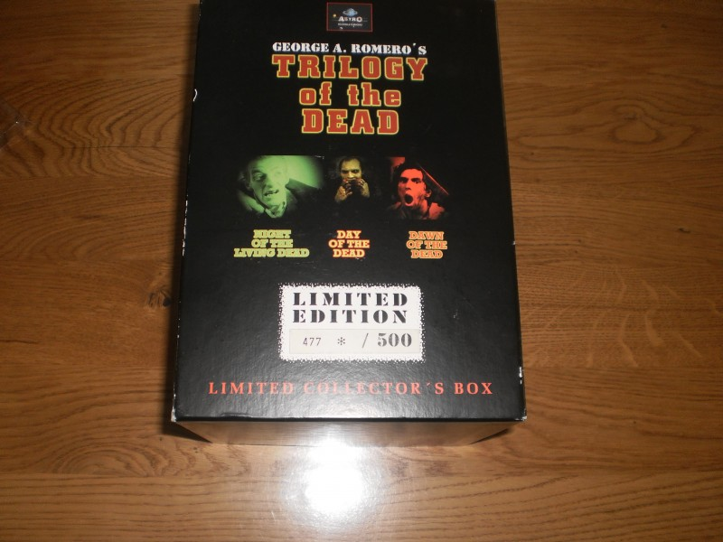 TRILOGY OF THE DEAD Limited 500 Stck. Box 5 DVDs Cap T-Shirt