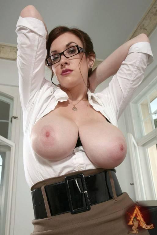 Frauen mit grossen natürlichen Brüsten 10x15cm DD-900
