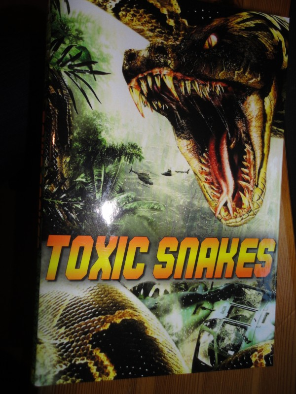 Toxic Snakes, große Hartbox, DVD