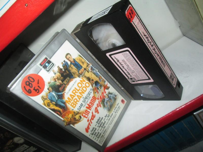 VHS - Ein Mann wird gejagt - Marlon Brando - RCA SILBER