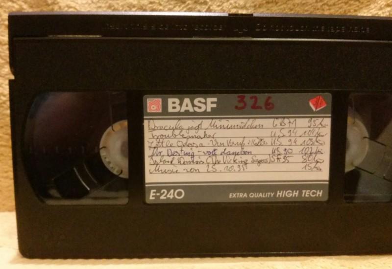 Leerkassette VHS ideal for long play Nr. 326